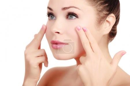 dry skin around eyes